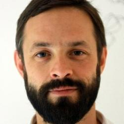 Dr Thomas  Moreau